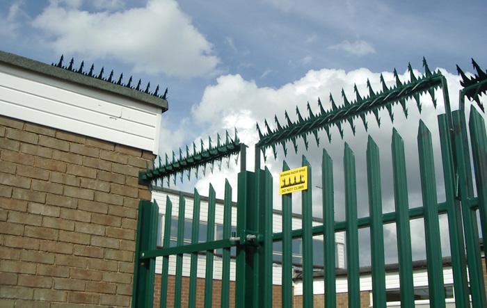 Μεταλλικός περιστρεφόμενος φράχτης προστασίας COBRA